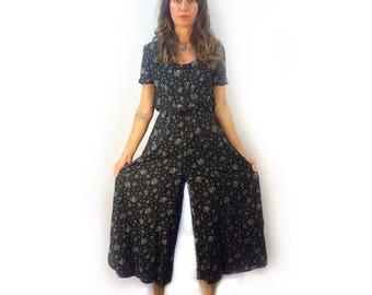Vintage 90s Pellini wide legged floral capri jumpsuit gaucho romper onesie // size 9/10 medium // boho hippie grunge festival