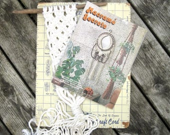 Macrame Home Decor Pattern Book - Macrame Bird Cage, Plant Hangers, Patio Decor