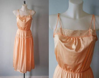 Vintage Nightgown, Vintage Peach Nightgown, 1970s Nightgown, Triumph International, Emelie NG, Nightgown, Vintage Lingerie