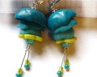 Boucles d'oreilles clochettes en cascade bleues