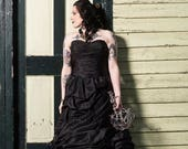 Elegant and Classy Taffeta Black Wedding Dress Strapless