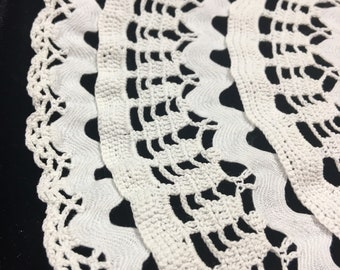 Vintage crochet Doily / Vintage Doily, antique Doily