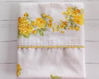 Vintage Pillowcase / Yellow Floral / Vintage Linens / Vintage Bedding