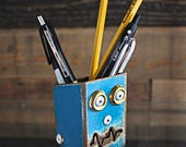 Office Desk organizer/Small: Pencil Pusher Robot Silver