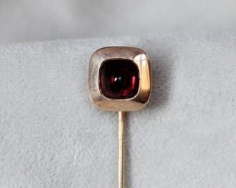 SUMMER SALE Sugarloaf Garnet Yellow Gold Stick Pin
