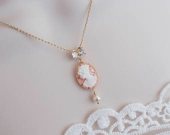 Cameo Necklace, Bridal Vintage Style Cameo Necklace, Resin Cameo Necklace, Bridal Necklace, Vintage Wedding Necklace, Shabby Chic Jewelry