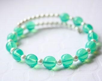 Green Czech Pearl Bracelet, Beaded Bracelet, Flexible Bracelet, Ready to Ship