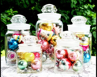 Vintage Apothecary Jars / Vintage Dakota Apothecary Jars/  Ground Glass Stoppers / Store Display/ Christmas Display/  Wedding Candy Buffet
