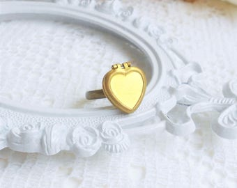 Vintage Locket Ring, Heart Locket Ring, Poison Ring, Adjustable Ring, Secret Compartment Ring, Poison Locket Ring, Small Locket Ring, Gift