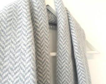 Grey Herringbone - Cozy lambswool winter scarf