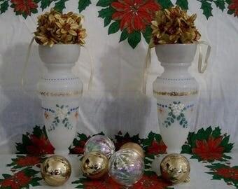 Summer Sale Beautiful Vintage Set White Glass Painted Decorative Vases Christmas