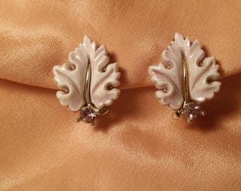 LOVELY Pale Lavender Leaf Earrings by LISNER VINTAGE