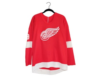 Vintage Steve Yzerman Detroit Red Wings CCM Home Red Hockey Jersey Stitched Letters, Made in USA - Large