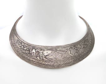1970s Vintage Hmong Engraved Bib Necklace