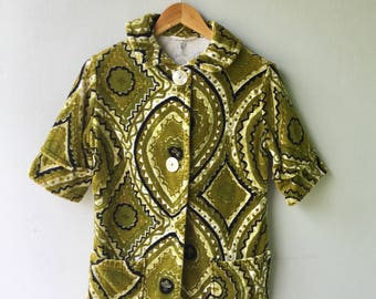 JULY SAL E- 1960's Saks Fifth Avenue Men's Lime Green with Black Graphic TERRY Cloth Tiki Cabana Surf Shirt // Mans Size Small