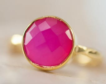 40 OFF - Fuschia Pink Chalcedony Ring - Gemstone Ring - Stacking Ring - Gold Ring - Round Ring