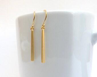 Gold Bar Earrings. Simple Gold Bar Earrings. Everyday Earrings. Long Earrings. Slim. Modern. Bar Jewelry. Minimalist. Simple Gold Earrings.