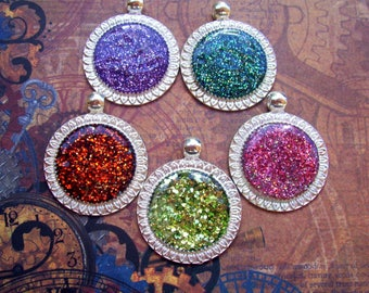 Sparkle Jelly Color Pendants (L31) Jewelry and Craft Supply, Lot of 5, Silver Circle Tray, Holographic Glitter Lacquer Base
