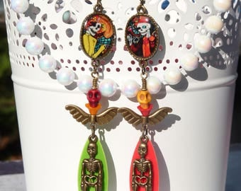 FREE SHIPPING Day of the Dead Handmade Resin Mismatched Dangle Earrings - Folk Mexican Art - Colorful - Dia De Los Meurtos - Skeleton -Skull