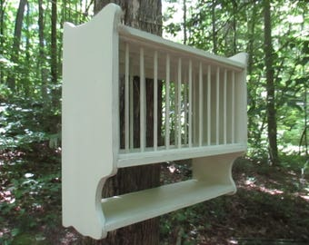 """Hanging Plate Rack, Compact 25""""w Farmhouse Plate Rack,Holds 12 Plates , Country Kitchen Wall Rack, Handmade"""