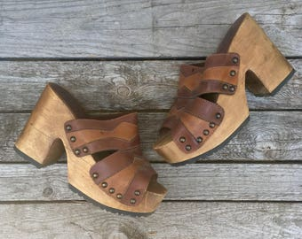 10 | Women's Open Toe Platform Wood Sandals w/ Scallop Brown Leather by MIA