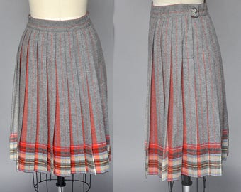 SALE vintage plaid skirt | 50s grey and red plaid skirt | high waist, pleating details, christmas holiday skirt