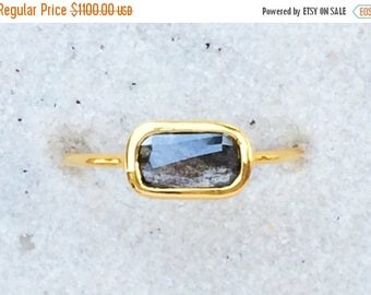 Summer Sale Untreated black diamond and solid 18k gold ring