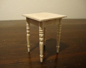 miniature dollhouse little  table
