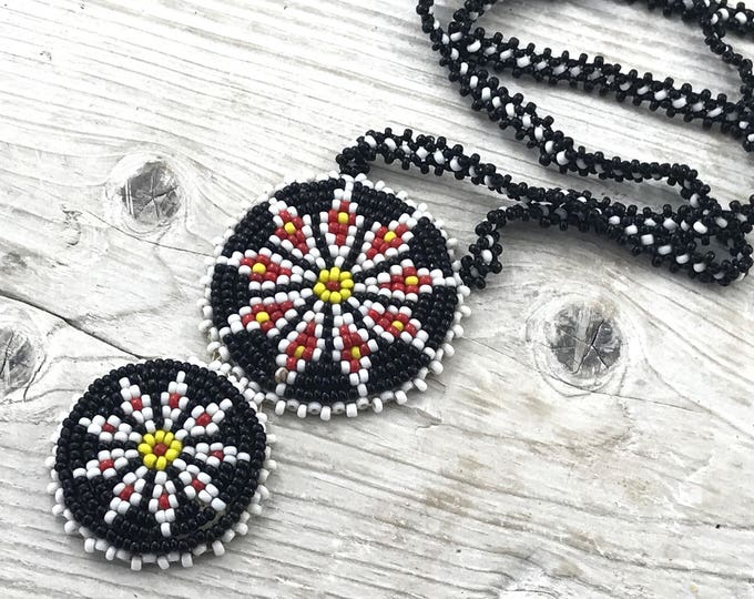 Large Vintage Native Necklace. Large beaded Navajo Necklace. Black White Yellow & Red Native American Beaded Necklace. Native Star Flowers.