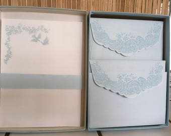 """Vintage 80's  """"LOVE BIRDS PAPERS""""  Boxed Stationery Montag's Letter Papers Beautiful"""