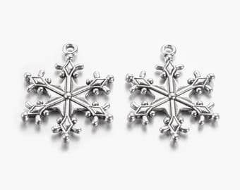 Antique Silver Snowflake Pendants / Charms