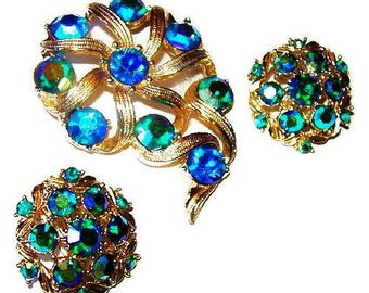 Kramer Rhinestone Brooch Earring Set Signed Teal Blue Flower Cluster Gold Metal Vintage
