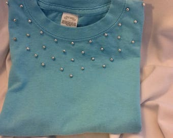 Blue short sleeve with hand beaded silver bead T-shirt for little girl.
