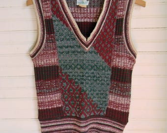 Vintage Sweater Vest, 1960s Sweater Vest Size Small Boys Sweater Vest, Red and Green Knit Sweater Vest, Pullover Sweaters, 1960s Vintage
