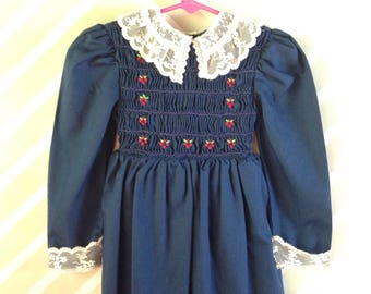 vintage navy blue smocked polly flinders dress with lace collar size 3-4 years