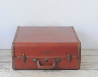 Vintage Midcentury Samsonite 50s-Retro Bowl Tapered Suitcase With Key
