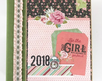 2018 Scrapbook Kit or Premade Album 6x8 Pre cut with Instructions Everyday Life Vintage Gift for Friend Gift for Mom