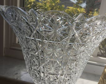 Crystal Punch Bowl w/o base Pinwheel Starburst design Table Center Piece Home Decor Option Looks awesome with lights in or under it