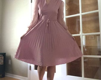 Dusty Pink 70s Dress // vintage