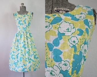 1960's Cotton Blue Floral Sun Dress / Size Small