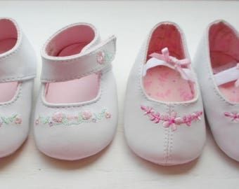 Vintage Infant Shoes, Pink & White Baby Shoes, Size 0, Newborn Girl Shoe, Flowers, Mary Jane's, Crib Shoe, Baby Girl Shoe, Doll Shoe, Pink