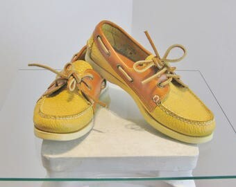 Dooney & Bourke Boat Shoes / Vtg 90s / Yellow and Tan Dooney Bourke Leather Boat Shoes / Size 6.5