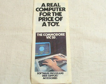 Rare 1982 Commodore VIC 20 Computer Gaming System Brochure Listing All Games/Programs Available
