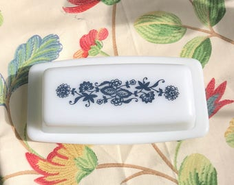 Vintage Pyrex Old Town Blue Onion Butter dish