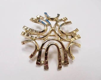 ON SALE SARAH Coventry Abstract Gold Tone Pin Item K # 3188