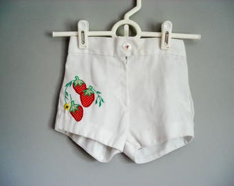 Sweet strawberry shorts - 3T
