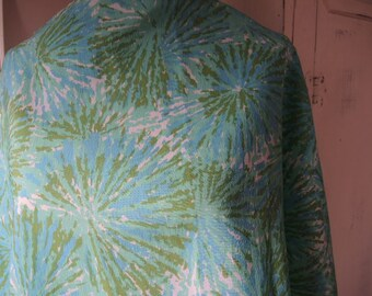 Vintage 1960s mod polyester crepe scarf mint greens abstract sunburst pattern  19 x 45 inches