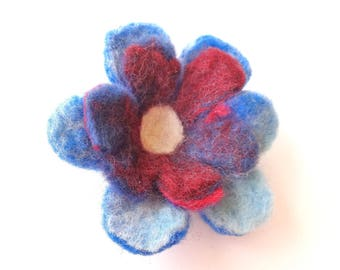 Felted flower brooch: blue and Red