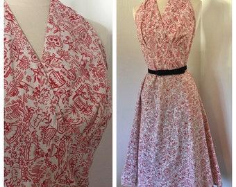"""Vintage 1950s Halter A-line Dress / Folk Art Novelty Print / Size Medium / 28"""" Waist"""
