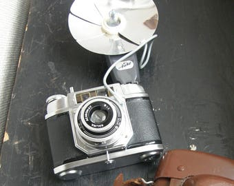 Halina 6-4 roll film camera with flash nice vintage  condition,Free uk postage